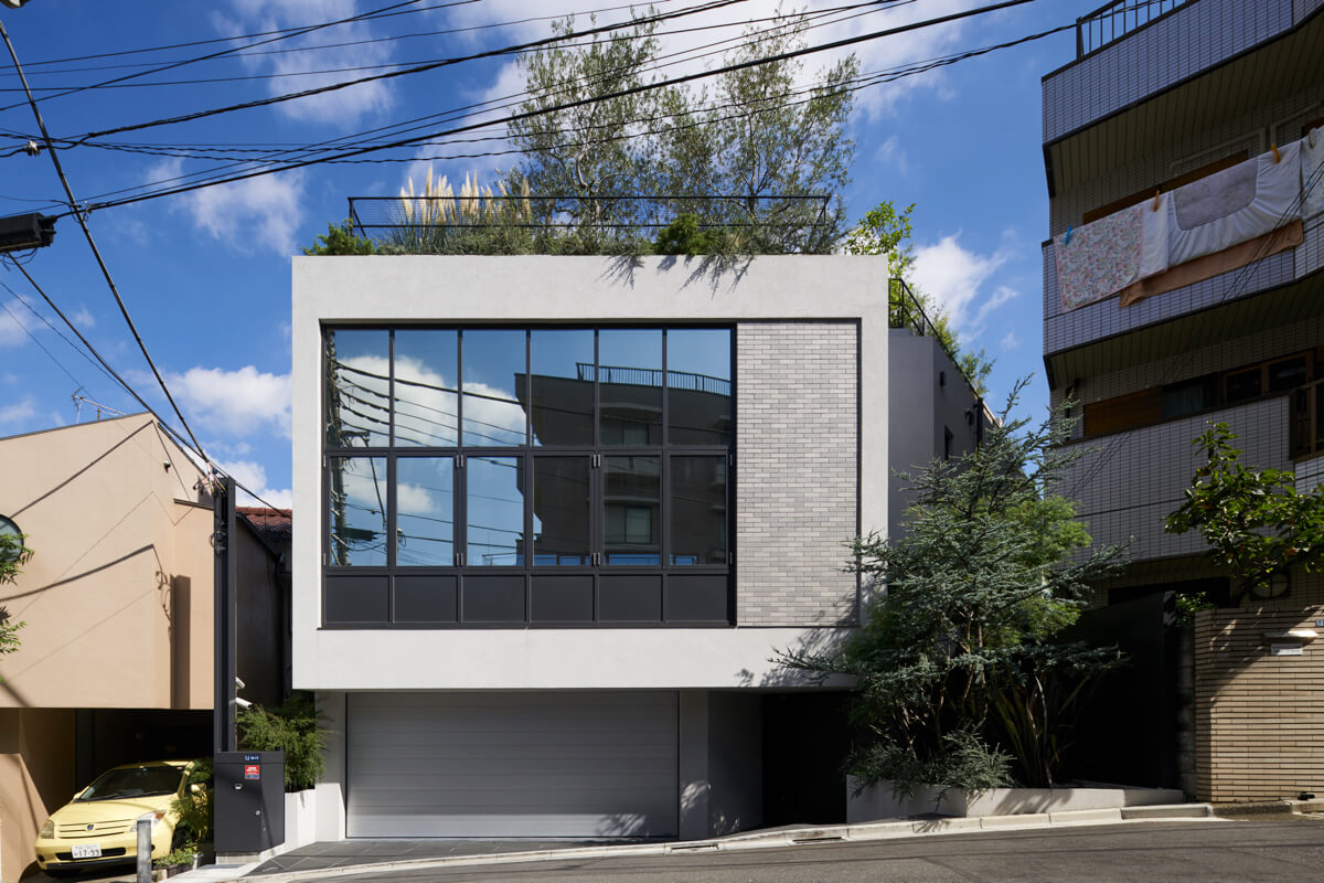 HOUSE IN SHIROKANE